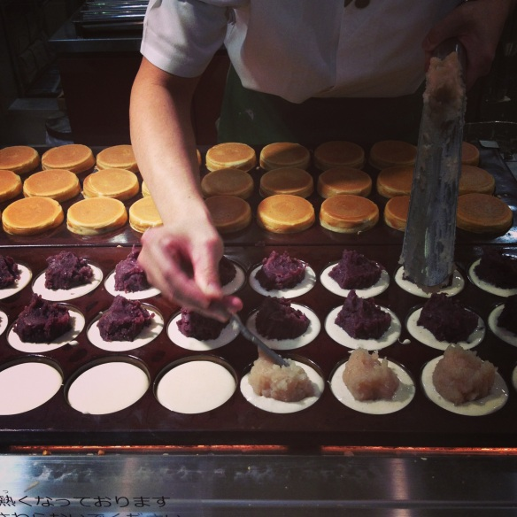Making dorayaki